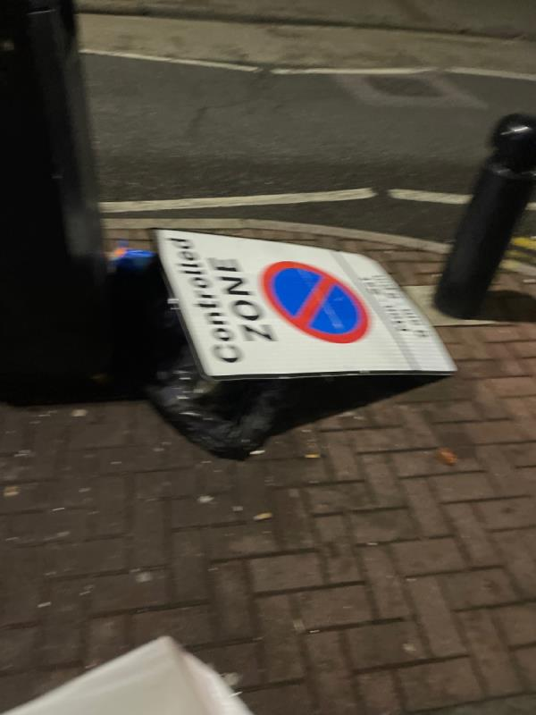 Broken! Please fix -368D High St N, London E12 6PH, UK