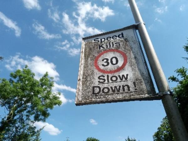 Dirty street sign -106 Kidmore Road, Reading, RG4 7NB