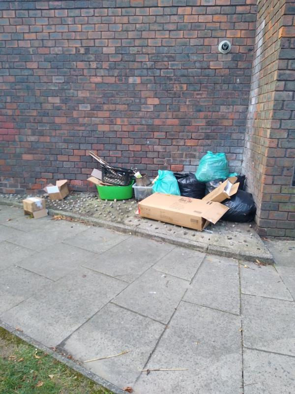rubbish dumped outside summer house, se13 5eu-Summer House Bonfield Road, London, SE13 5EU