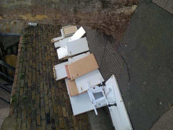kitchen cabinets-517a Barking Road, London, E6 2LN