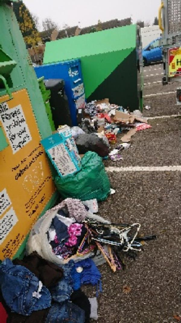 House old waste removedl fly tipping -Milestone Centre Milestone Way, Reading, RG4 6PF