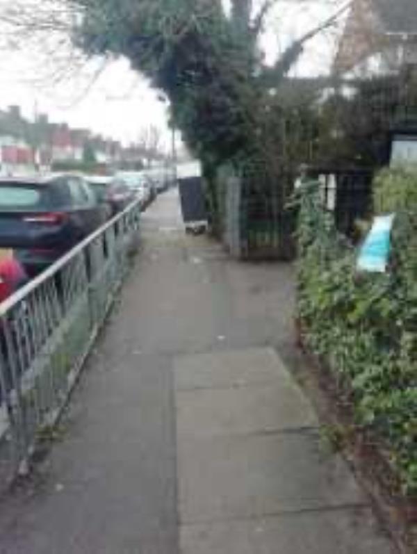 Please clear flytip-83 Longhill Road, London, SE6 1UB