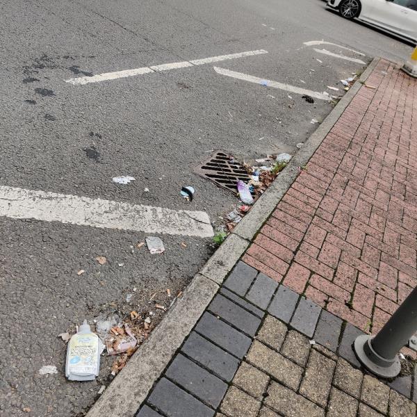 Litter on road-A117, London E6 5NX, UK