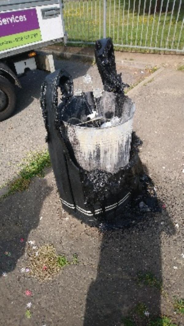 Burnt bin-326 Northumberland Avenue, Reading, RG2 8DH