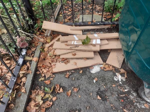 pictures of wood and plastic-84 Ravensbourne Park, London, SE6 4YA