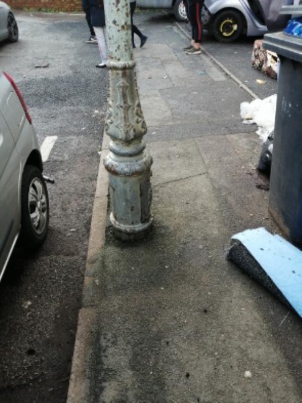 lamppost not working-190 Merridale Street West, Wolverhampton, WV3 0RP