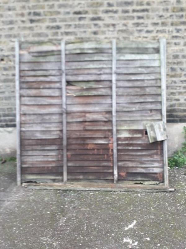 3x fence panels -10 Ingal Road, London, E13 8HX