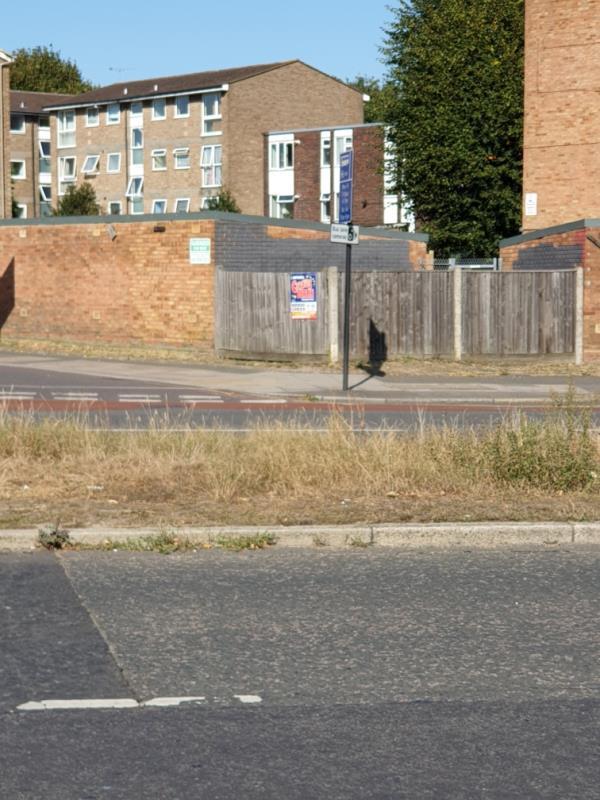 opp 122 uxbridge rd on otherside on wooden panelling-8 Upton Court Longford Avenue, London, UB1 3QW