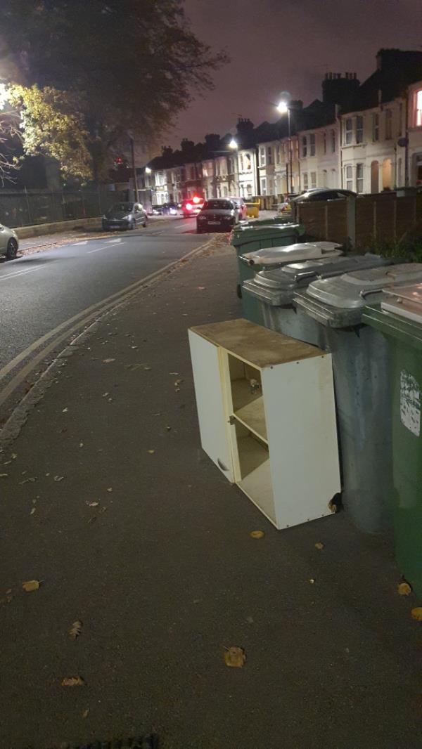 cabinet -153b Ham Park Road, London, E7 9LE