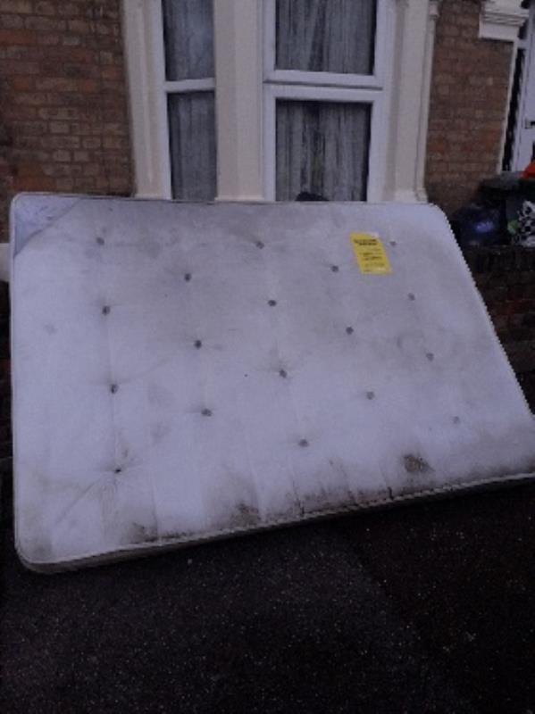 mattress-91 Ling Road, London, E16 4