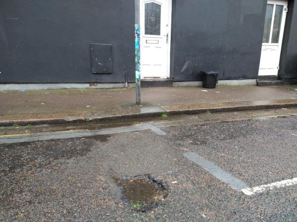 5 small potholes on regent St near to 255a London rd-1 Regent Street, Reading, RG1 3NN