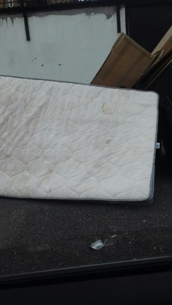 mattress boxes-8 Luton Road, London, E13 8HD