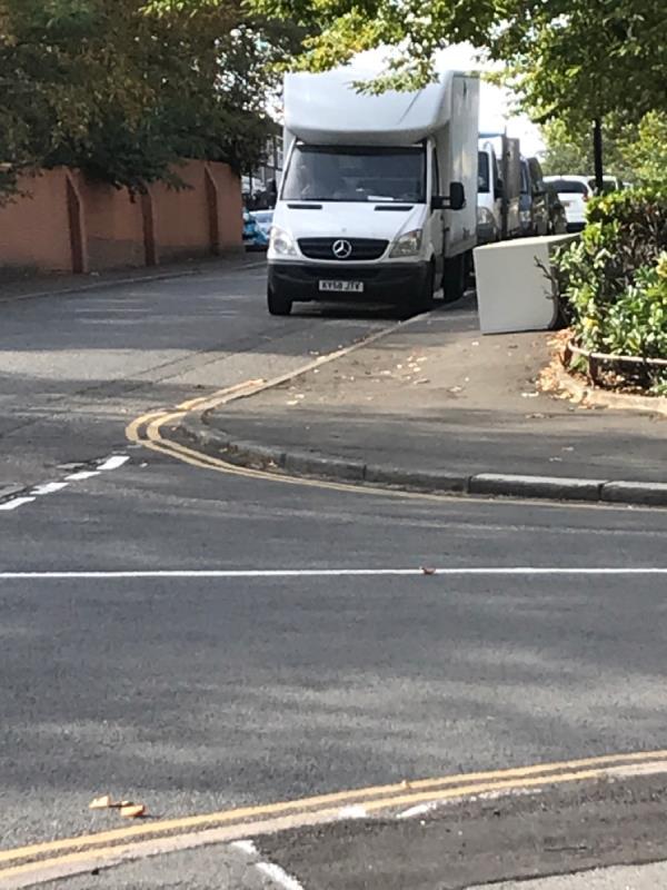 Bell green lane jn winchfield rd fridge -16 Winchfield Rd, London SE26 5TG, UK