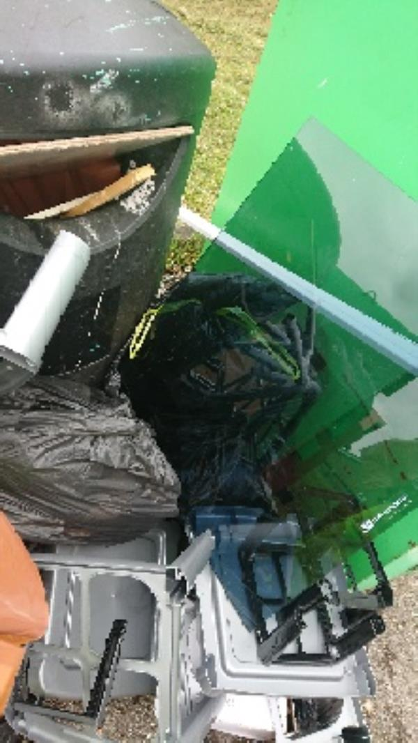 House old waste removed fly tipping on going at this site large amount removed image 2-91 Queensway, Reading, RG4 6SJ