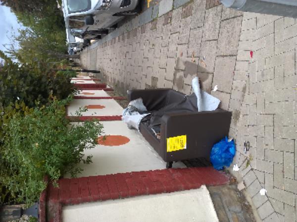 sofa-100 Terrace Road, Plaistow, E13 0PD