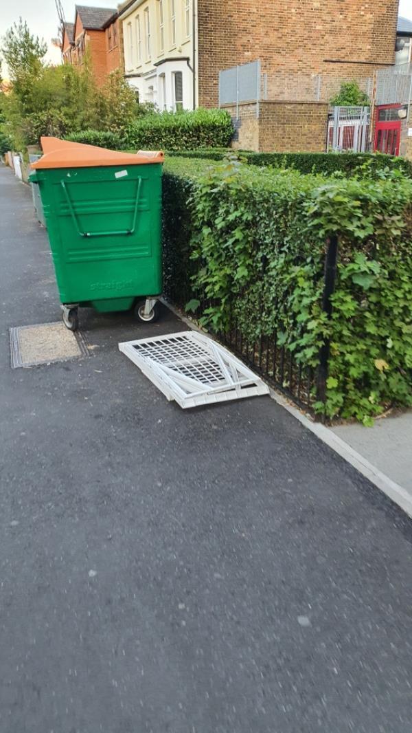 chair-96b Earlham Grove, London, E7 9AR
