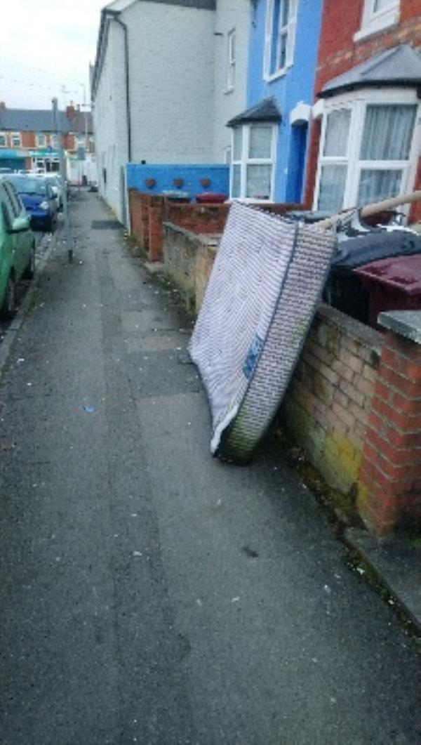 Mattress on pavement -19 Connaught Road, Reading, RG30 2UD