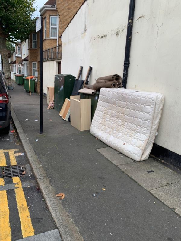 Mattress headboard and draws and parts -2B Malvern Rd, London E6 1LT, UK