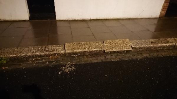 Upturned kerb stones-70 Ruskin Rd, Tottenham, London N17 8NH, UK