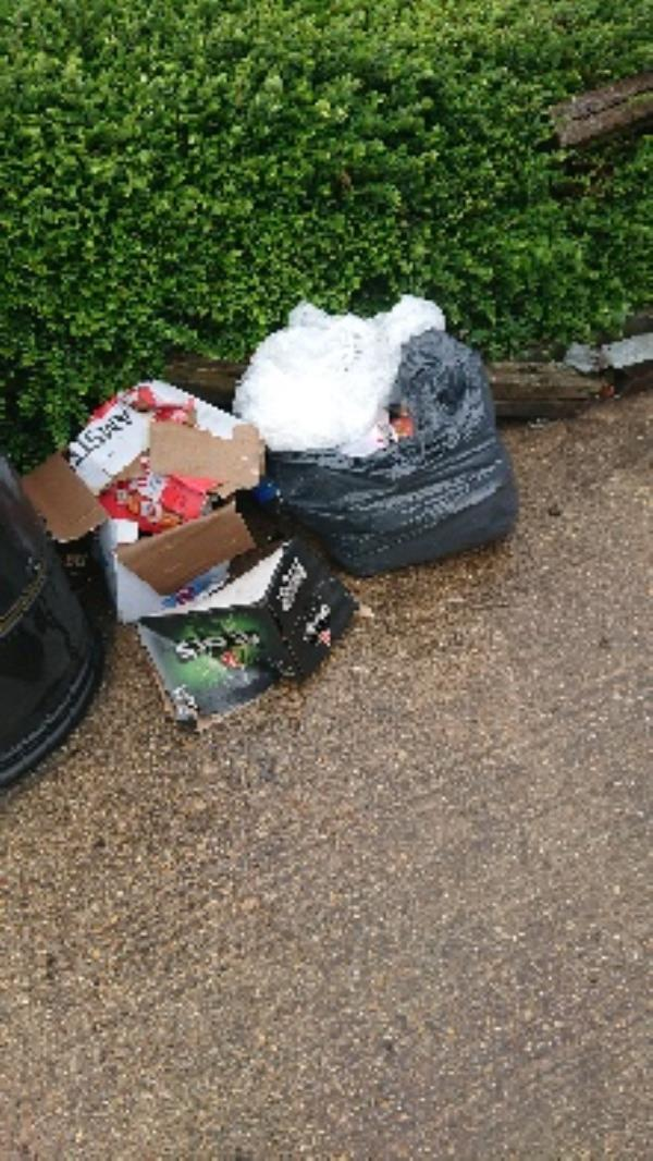 House old waste removedl fly tipping on going at this site -22 Long Barn Lane, Reading, RG2 7TB