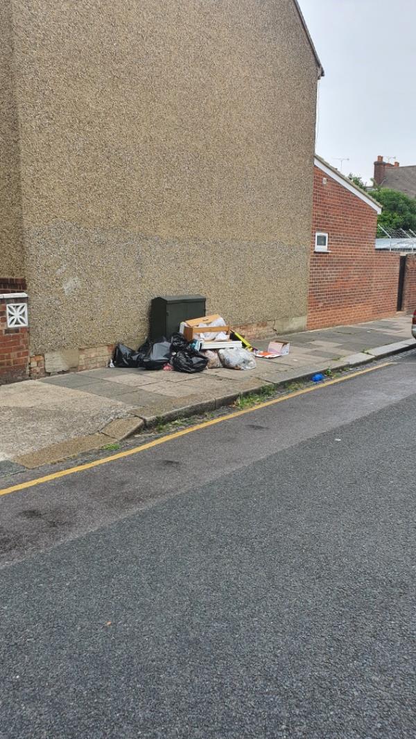 bags-103 Colegrave Rd, London E15 1DZ, UK