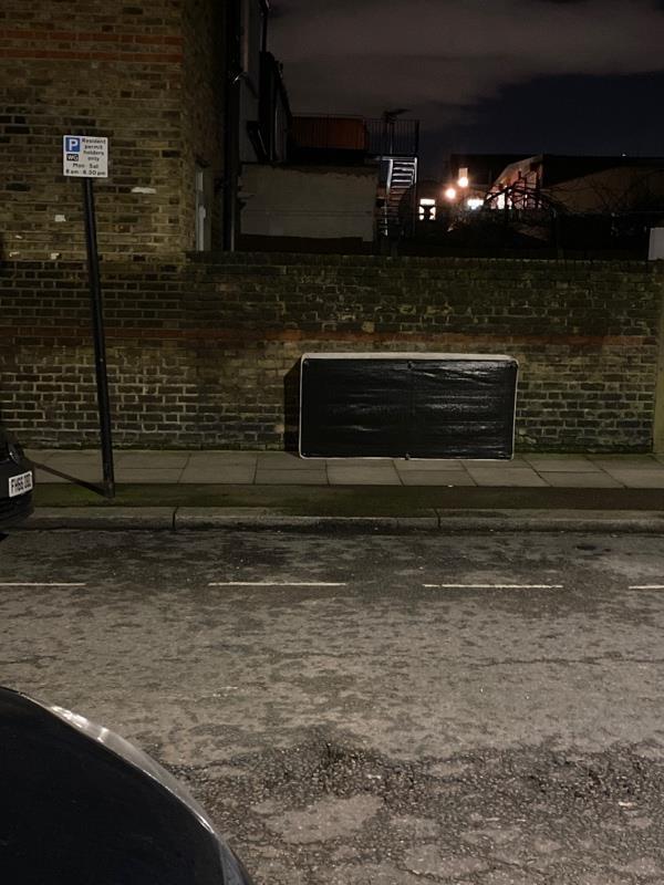 Mattress dumped at start of Effingham road on left-Haringey Lodge, 621 Green Lanes, London, N8 0RE