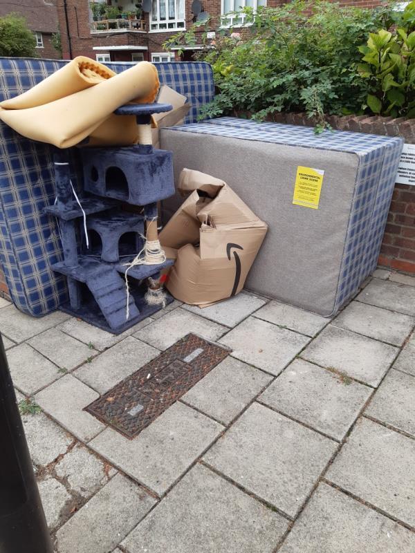 Mattress,  bed base,  cardboard boxes -16 Fendt Cl, London E16 1LB, UK