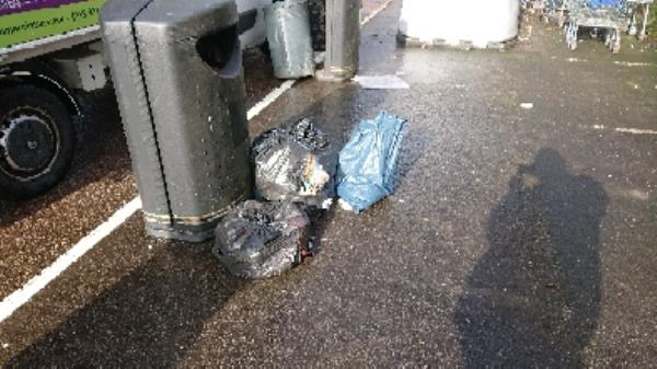 House old waste removedl fly tipping on going at this site -53 St Bartholomews Road, Reading, RG1 3QA