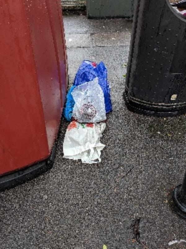 rubbish-44 Howard Street, Reading, RG1 7LJ