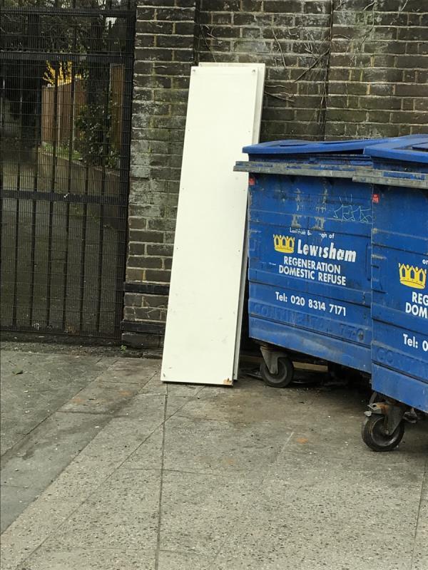 Mobile 10 job wood opposite Puregym Kirkdale -325 Kirkdale, London, SE26 4QD
