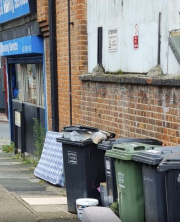 Mattress -1a Old Road, London, SE13 5SU