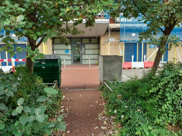 cleared -221 Kender Street, New Cross Gate, SE14 5JQ