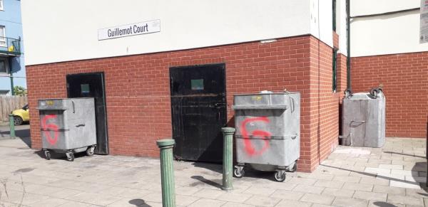 lapwing tower  weekly fire check  box, basket  image 1-19 Taylor Close, London, SE8 5UG