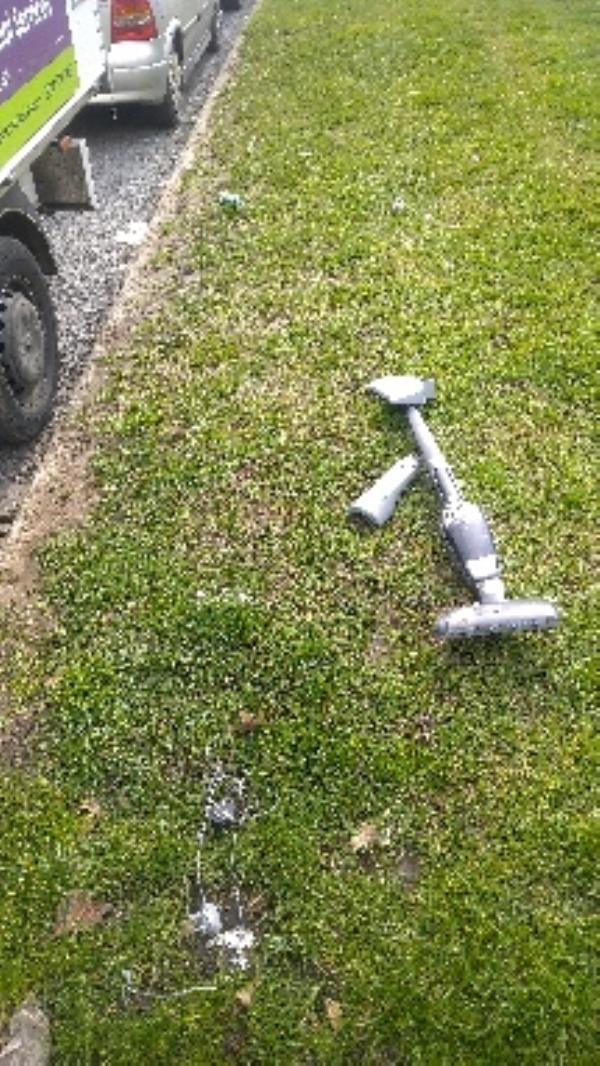 Flytipped hoover no evidence taken -46 Circuit Lane, Reading, RG30 3HA
