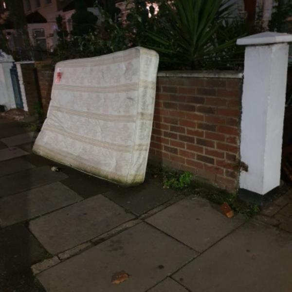 113 dumped -113 Granville Road, London, N22 5LR
