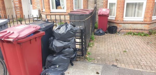 Student house, pls report to university-30 Upper Redlands Road, Reading, RG1 5JP