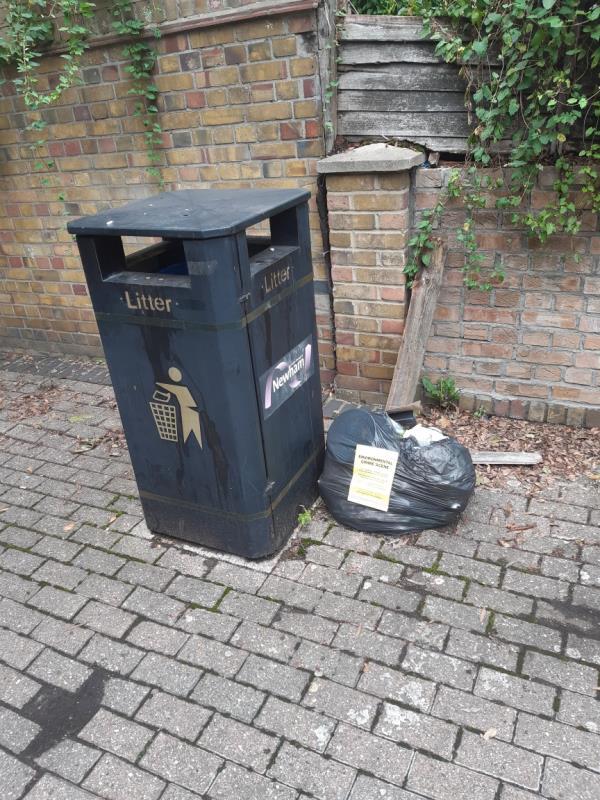 1x bag wet waste no evidence -125 Tollgate Rd, London E6 5JY, UK