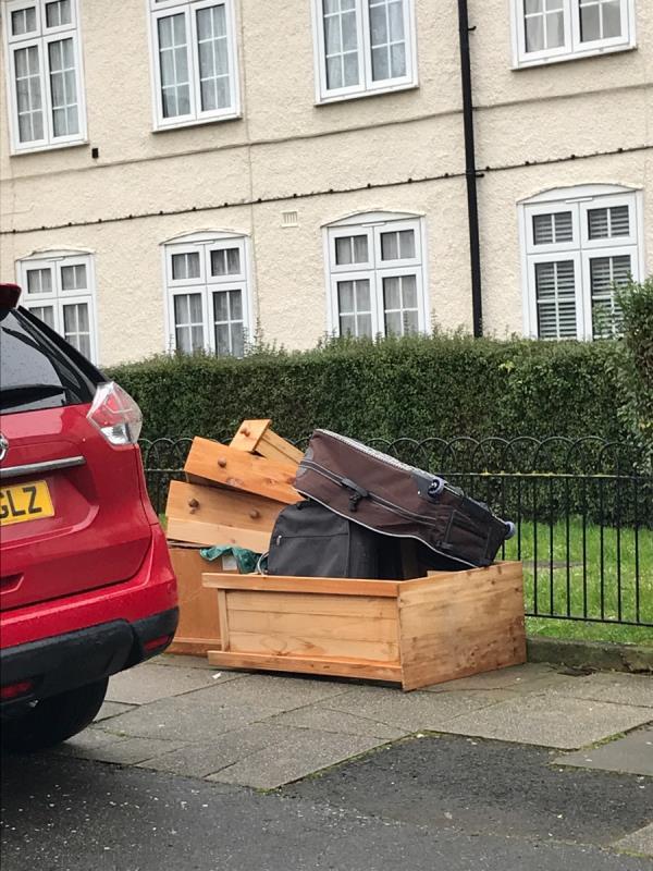 Furniture -71 Ballamore Road, Bromley, BR1 5LL