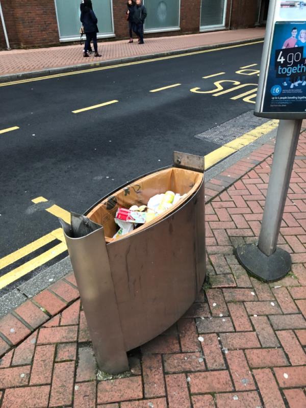 Lid broken off bin-41 Minster Street, Reading, RG1 2JB
