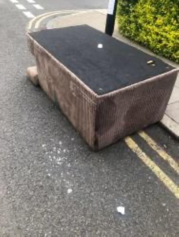 Please clear a sofa-65 Hatcham Park Road, New Cross Gate, SE14 5QE