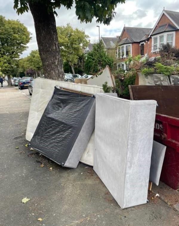 Please flytiip. pf Dumped Furniture. -83 Culverley road