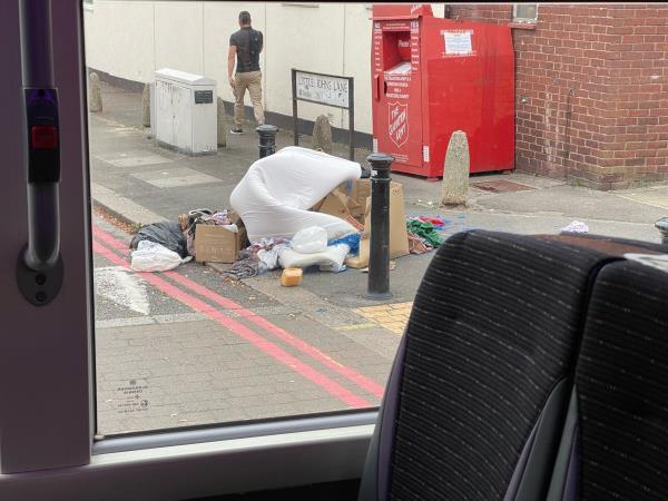 Fly topped waste by Little John's Lane junction-530 Oxford Road, Reading, RG30 1EG