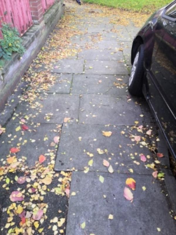 rocking slabs on pavement front of 2-24 Quebec Road-2 Quebec Rd, Leicester LE1 2FH, UK