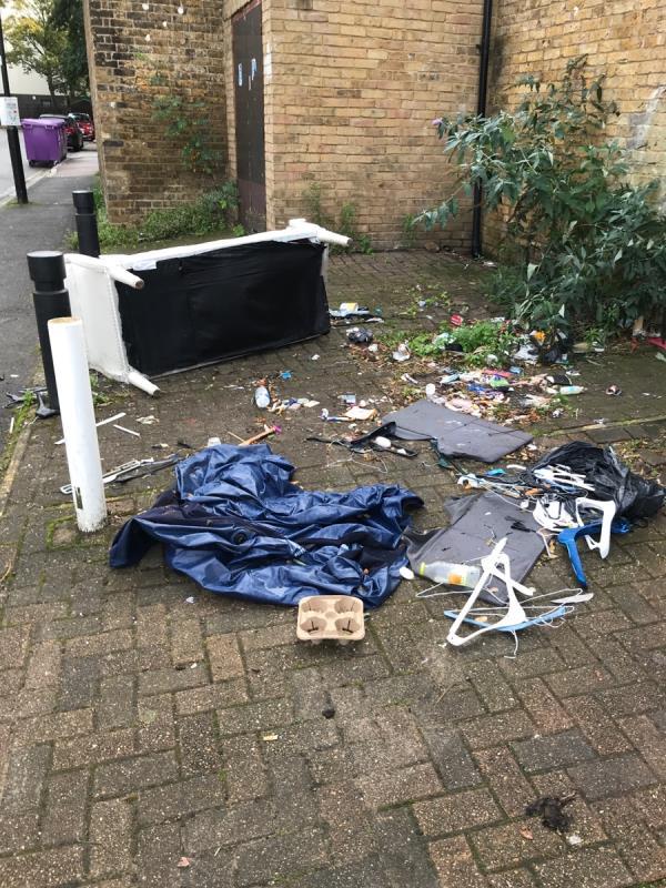 Sofa-2 Tewkesbury Rd, London W13 0UJ, UK