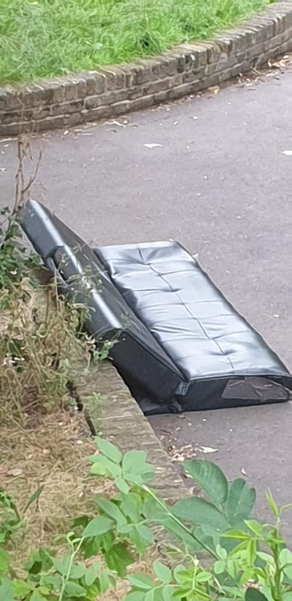Large leather seating. image 1-22 Elmgreen Close, London, E15 4BS