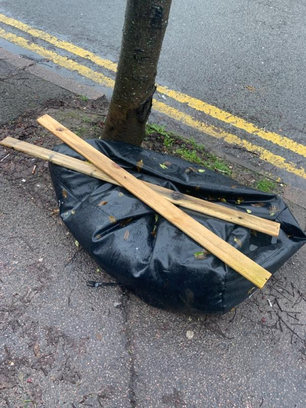 Fly tipping -121 Upperton Road, Leicester, LE3 0HE