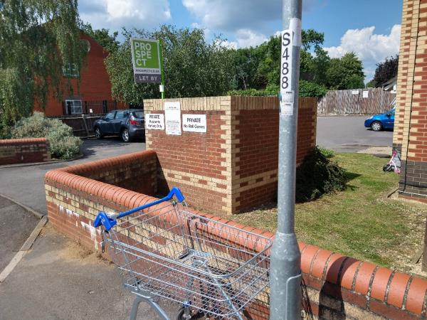 Trolley on Liverpool rd-Jayworth House, 140 Liverpool Road, Reading, RG1 3PH