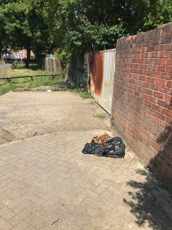 1 black sack -452 Whitefoot Lane, Bromley, BR1 5SF