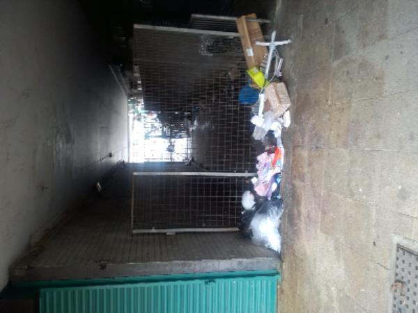fan, bags, -403 Green Street, Plaistow, E13 9AU