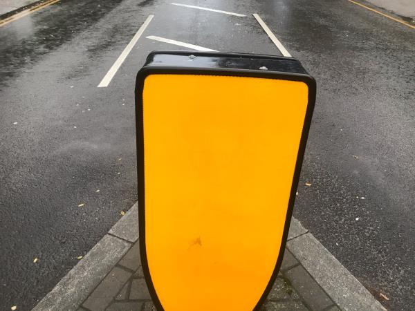 Westwood hill traffic island bollard no two  image 1-1b Lawrie Park Avenue, London, SE26 6BG